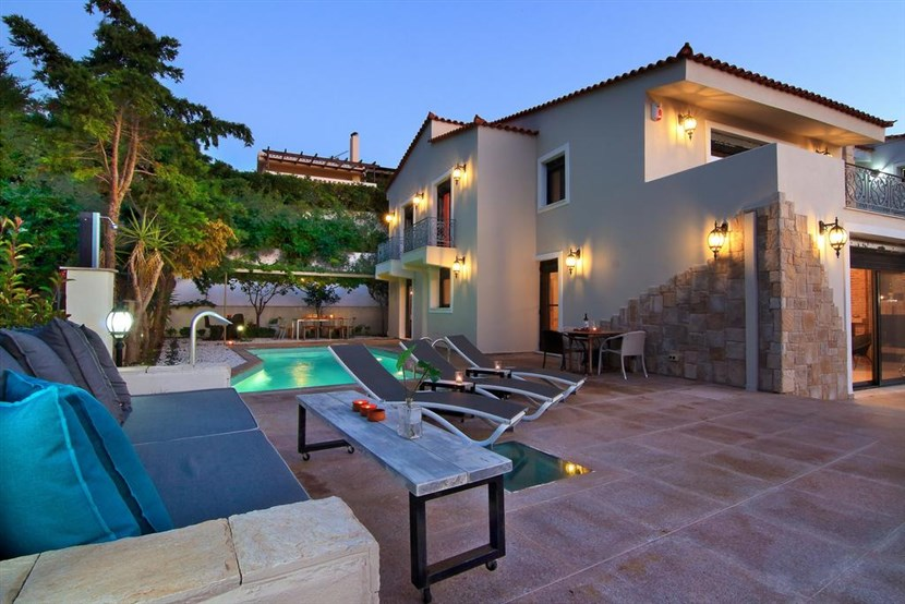 Athens, Comfortable Villa for 10 persons